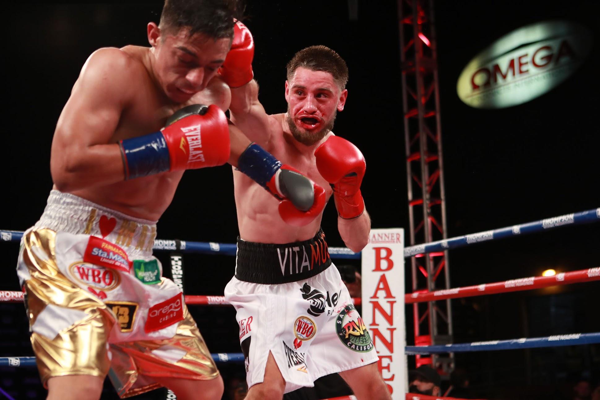 Ruben Villa (right) vs. Luis Alberto Lopez. Photo by Dave Mandel/SHOWTIME