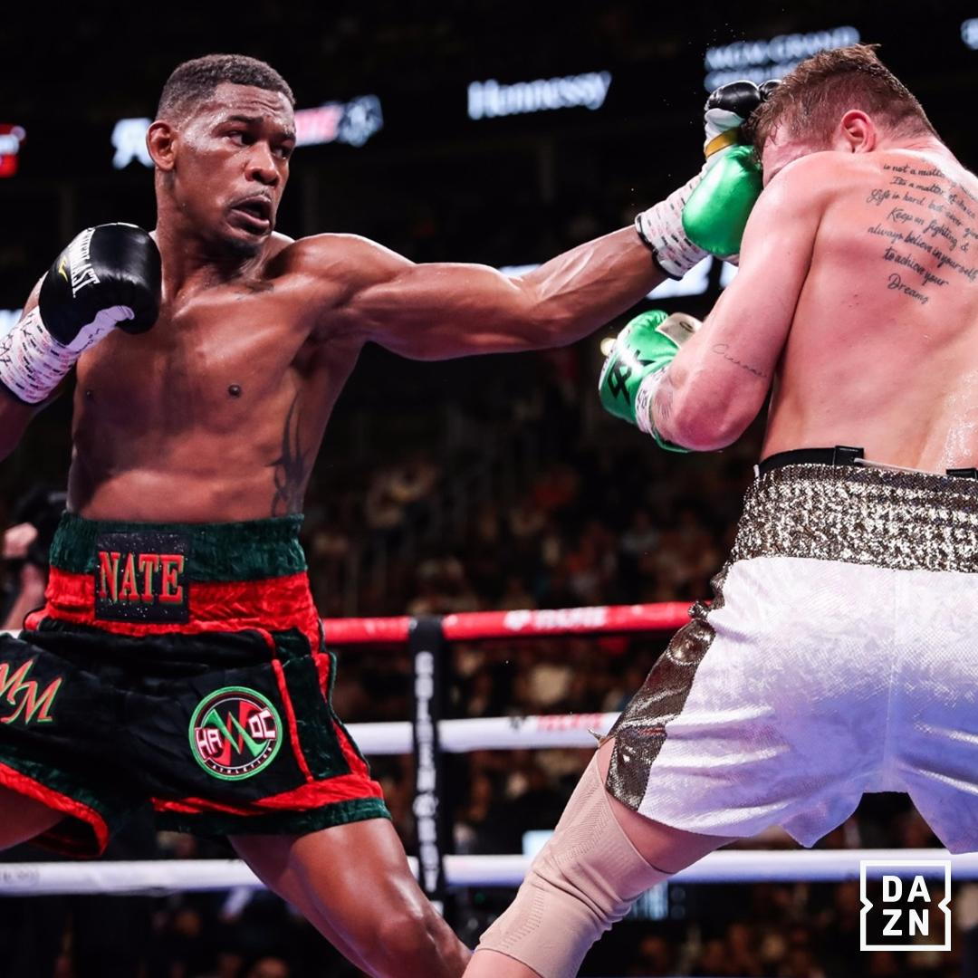 3canelo jacobs - Ring middleweight champ Canelo Alvarez outpoints Daniel Jacobs, adds IBF title to collection