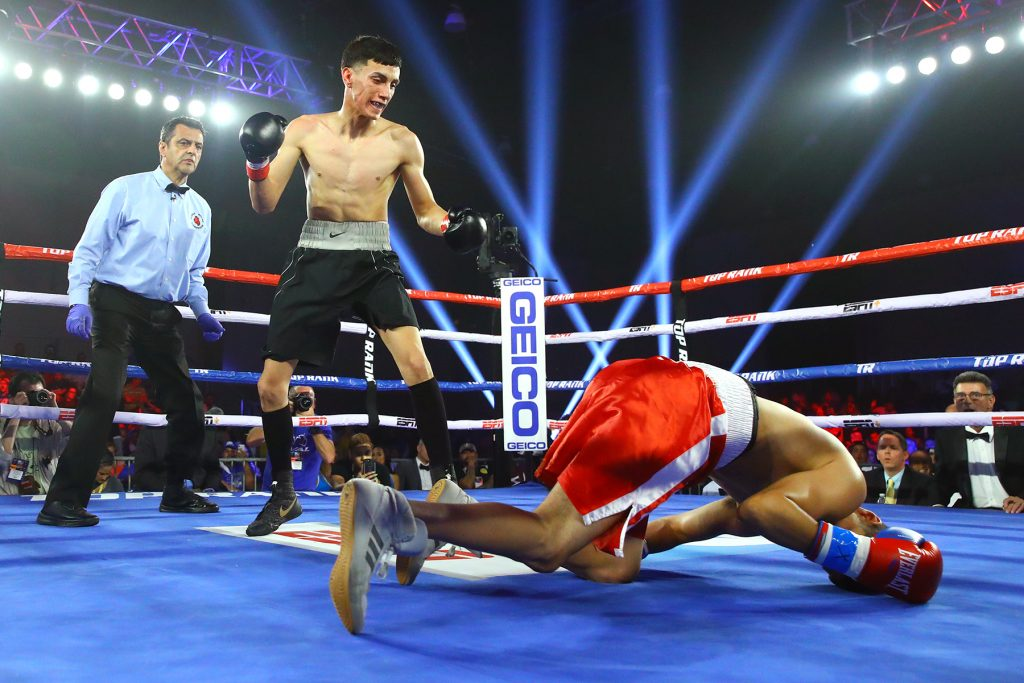 Antonio Vargas vs Jose Cardenas knockdown 1024x683 - Koki Eto's first round KO of Jeyvier Cintron overturned to headbutt no-decision