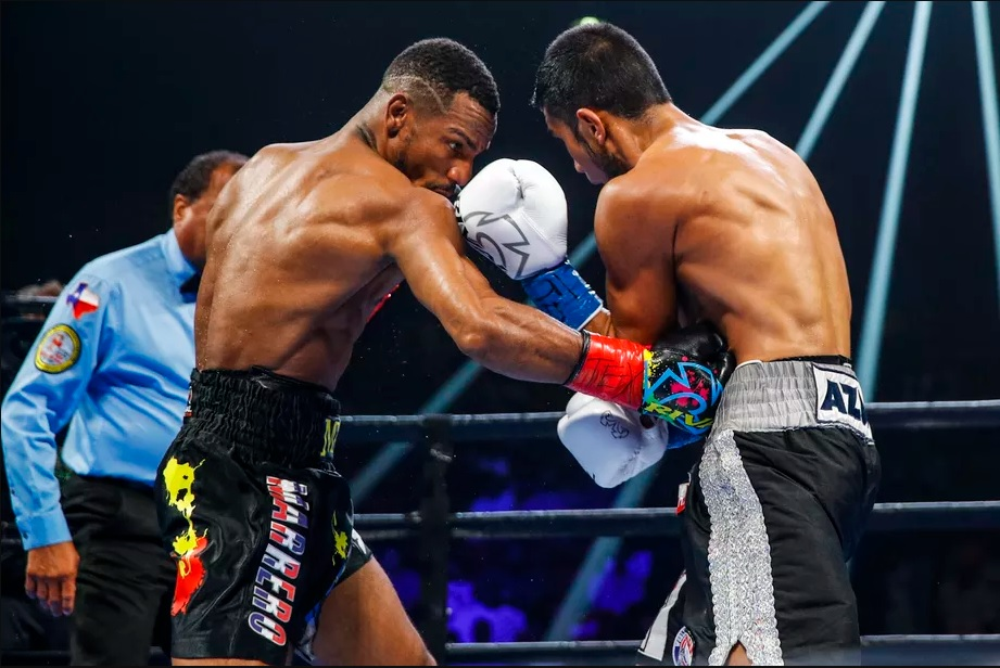 Featherweight Claudio Marrero (left) vs. Eduardo Ramirez. Photo credit: Esther Lin/Showtime