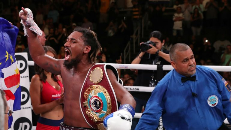 Demetrius Andrade defends middleweight belt against Luke Keeler in Miami