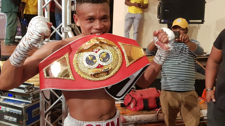 Ludumo Lamati scores stoppage win over Richie Mepranum in South Africa