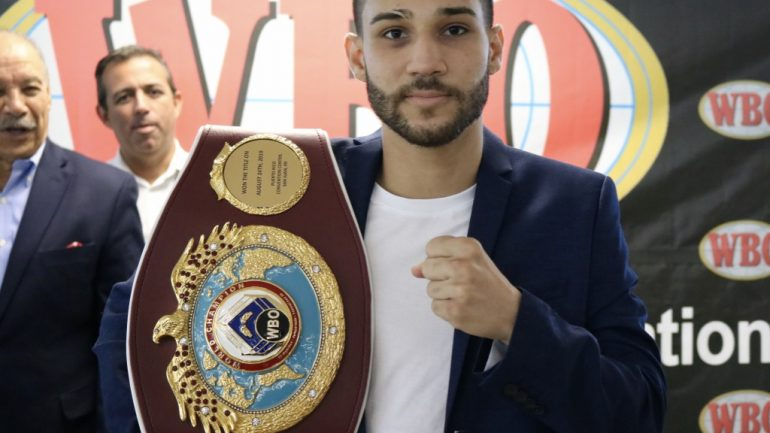 WBO strawweight titlist Wilfredo Mendez gets belted in his hometown