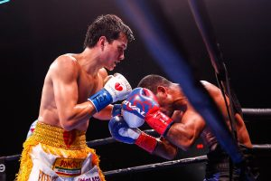 Brandon Figueroa closes in on Javier Chacon/Photo by Stephanie Trapp/TGB Promotions
