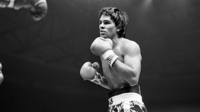 From the archive: Roberto Duran becomes undisputed lightweight champ, knocks out Esteban DeJesus in 12