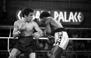 Chacon vs. Boza Edwards action 300x192 - A Fan Remembers: Bobby Chacon vs. Cornelius Boza-Edwards II