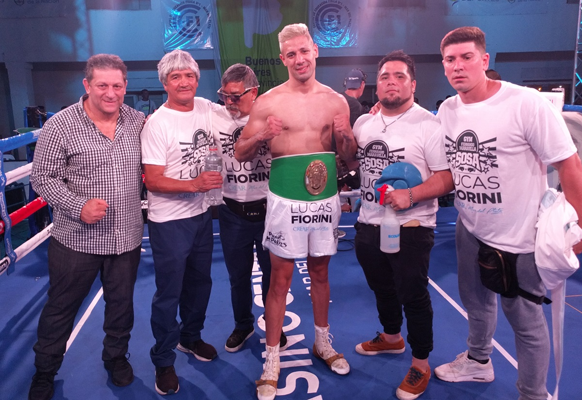 (From left to right) Mario Margossian, head of Argentina Boxing Promotions, Carlos Olivera (assistant coach), Fernando Sosa (coach), Lucas Bastida, Fernando Sosa Jr. (assistant) and Martín Menecier (physical trainer). Photo Credit: Argentina Boxing Promotions.