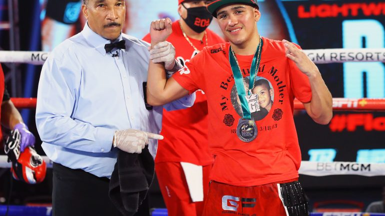 Gabriel Flores Jr. makes a punishing statement against Jayson Velez