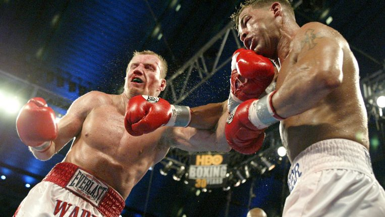 Skydiving Without a Parachute Arturo Gatti and Micky Ward turned risk-taking into an artform