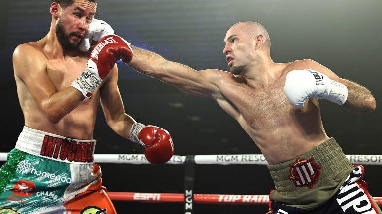 Jose Pedraza wins wide decision over Javier Molina to continue junior welterweight rebirth