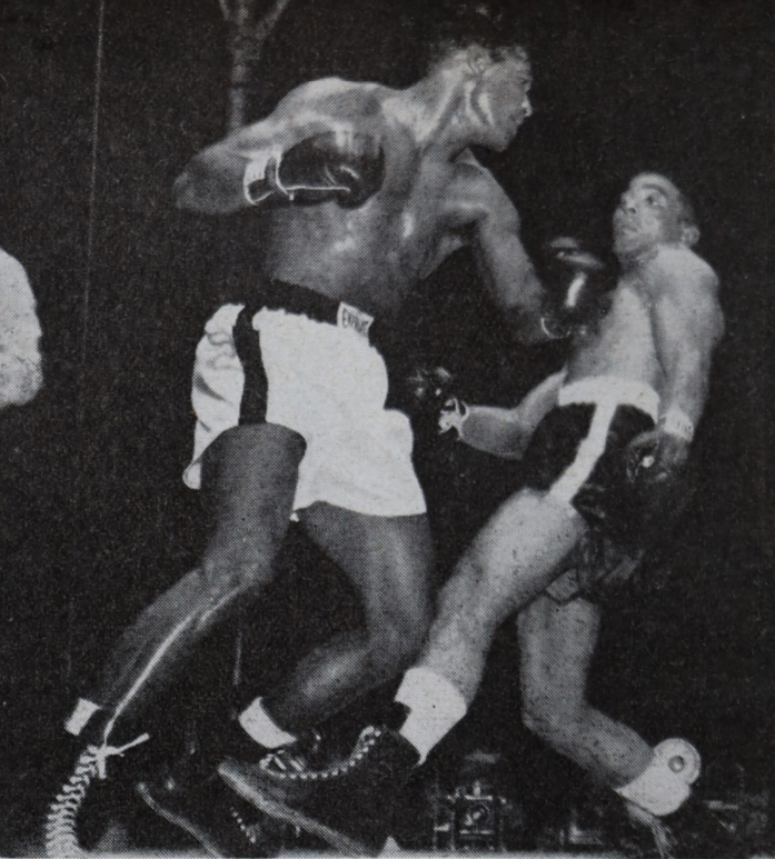 RobinsonTurpin2 3 - From the archive: Sugar Ray Robinson is king again, stops Randy Turpin in 10