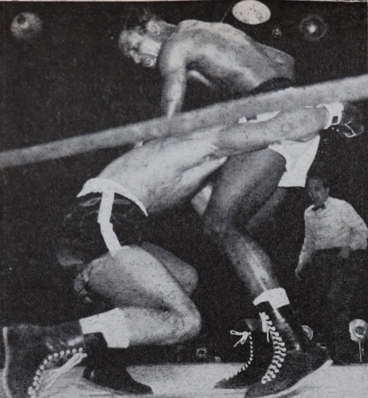 RobinsonTurpin2 4 - From the archive: Sugar Ray Robinson is king again, stops Randy Turpin in 10