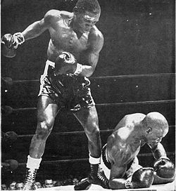 "Tiger downs Carter - Greatest Hits: Rubin ""Hurricane"" Carter – part 2"