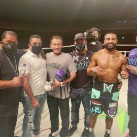 Mark Reyes Jr. stops Carlos Rodriguez in 4 rounds in Mississippi