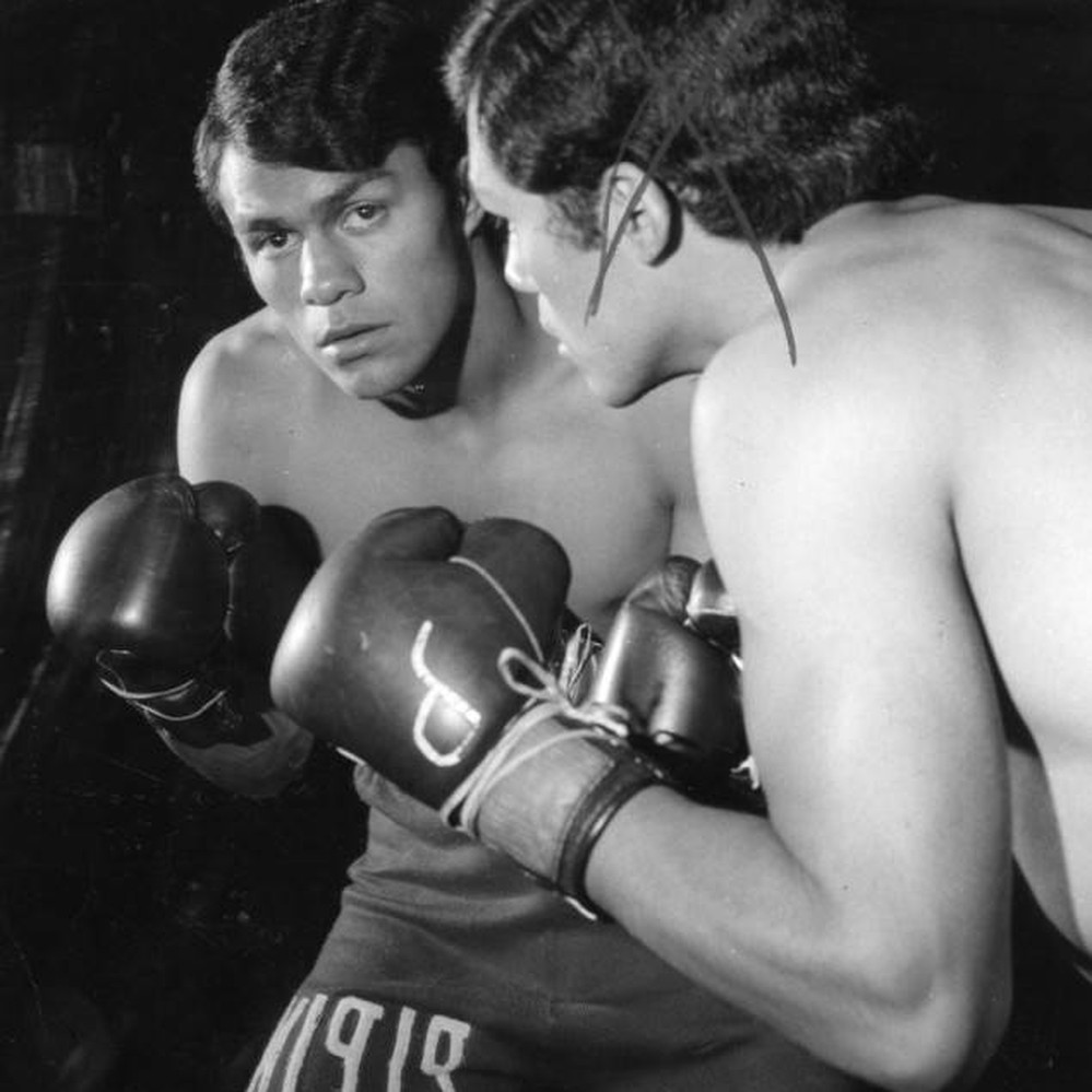 Pipino Cuevas Photo credit Los Angeles Herald Examiner Photo Collection - Youth is king: The youngest men to win world titles