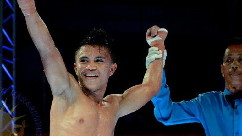 Rene Mark Cuarto edges out Pedro Taduran to win IBF strawweight title