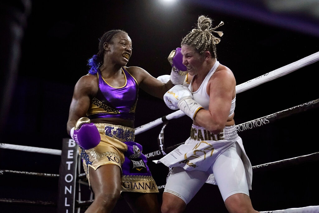 Claressa Shields (left) vs. Marie Eve Dicaire. Photo credit: Carlos Osorio/Associated Press