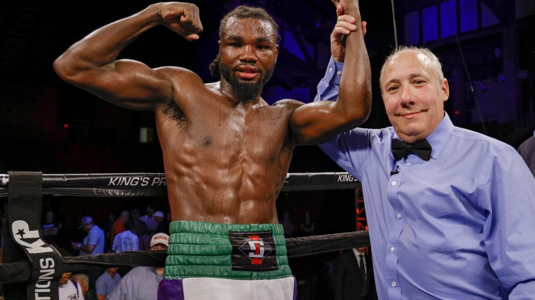 Isaiah Steen wins convincingly in the main event on the 20th anniversary ShoBox show