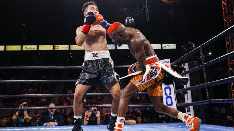 Chris Colbert jabs way to unanimous decision win over Tugstsogt Nyambayar