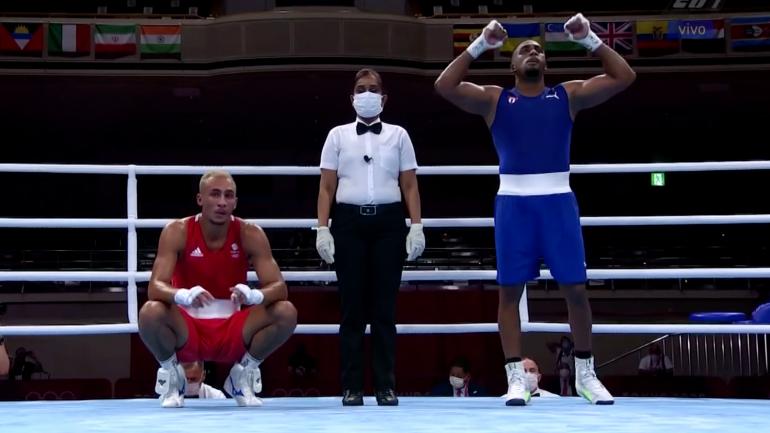 Cuba's Arlen Lopez wins second Olympic gold, defeats Great Britain's Benjamin Whittaker in light heavy final