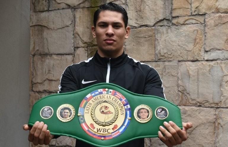 Alberto Ruiz upsets Jair Valtierra in five rounds