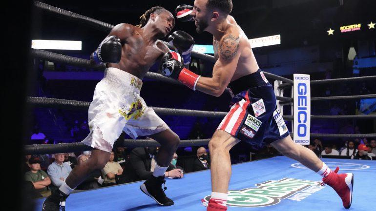 Jose Valenzuela beats Deiner Berrio, but Elon De Jesus steals the show on the undercard