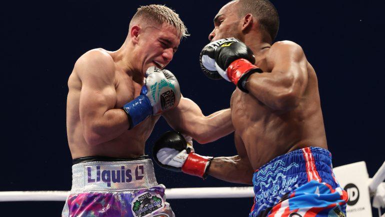 Jonathan Gonzalez upsets Elwin Soto via decision, claims WBO 108-pound title