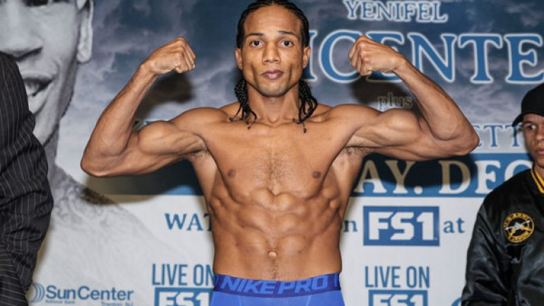 Dominguez-Vicente 12-8-15 PBC card weigh-in by Lucas Noonan