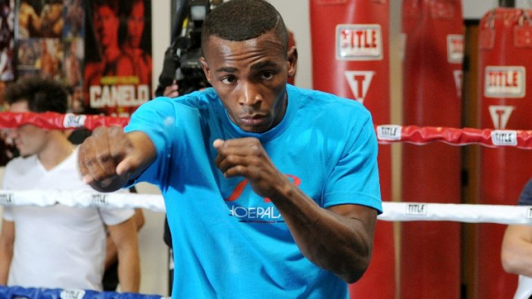 Erislandy Lara and Yuri Foreman close to deal for Jan. fight