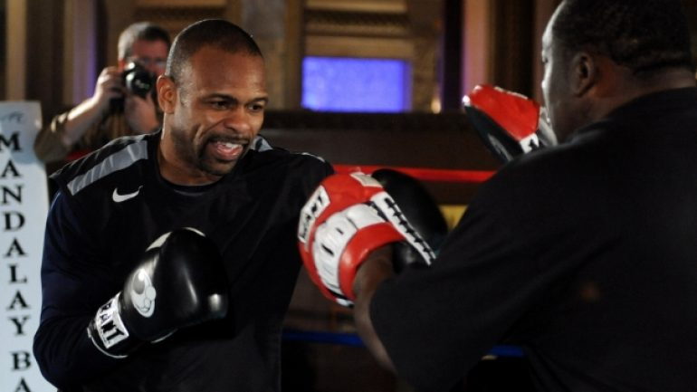 Roy Jones Jr. wants to fight on despite injury