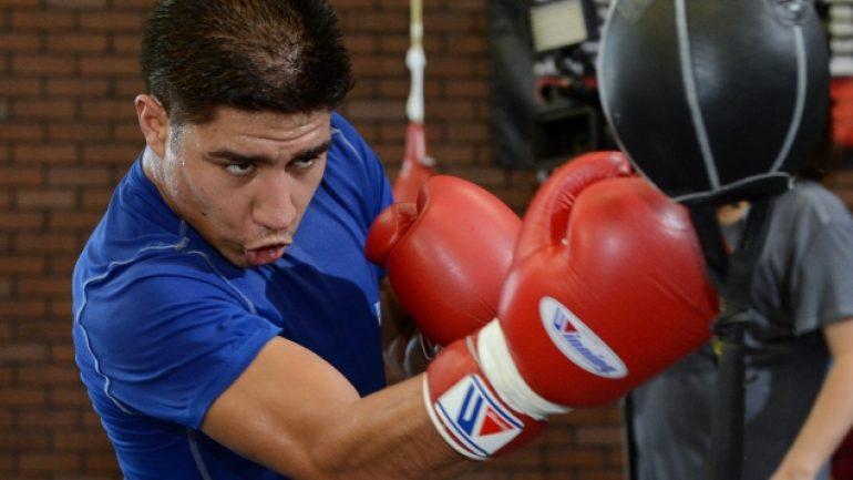 Jessie Vargas returns after 13 months with shutout win over Aaron Herrera