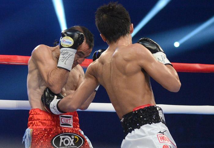 omar narvaez vs takuma inoue photo by naoki fukuda09 - Dougie's Monday mailbag (Inoue-Rodriguez, Wilder-Breazeale, Inoue P4P, Wilder vs. Joshua)