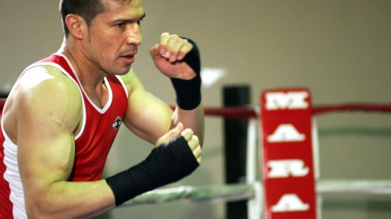 Sergio Martinez defeats Brian Rose by unanimous decision in Spain