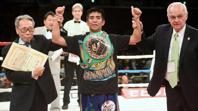 Ganigan Lopez faces Jose Soto in a crossroads bout on Boxeo Telemundo