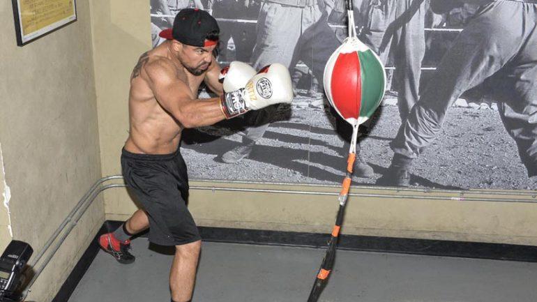 Victor Ortiz public workout 4-14-16 by Idris Erba/Premier Boxing Champions